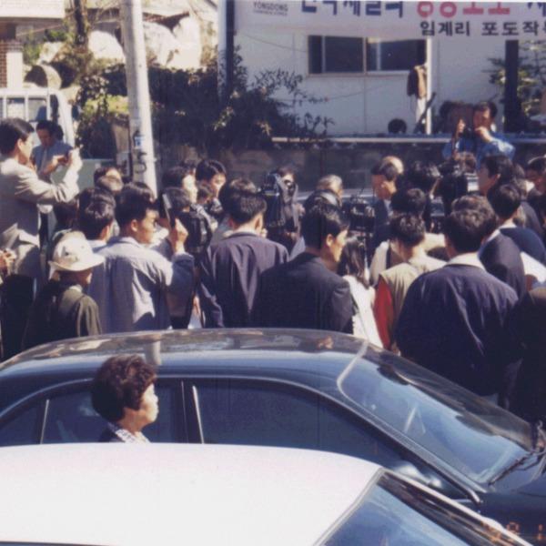 미국 NBC방송 사건현장 마을 촬영2