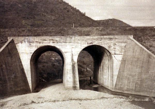 No_Gun_Ri_bridge-1960.jpg